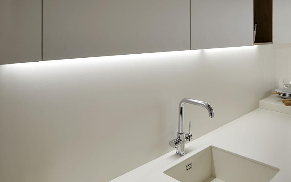 Soho roble natur blanco roto graden - Iluminacion interior armarios ...