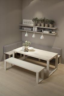mesa con bancos cocina