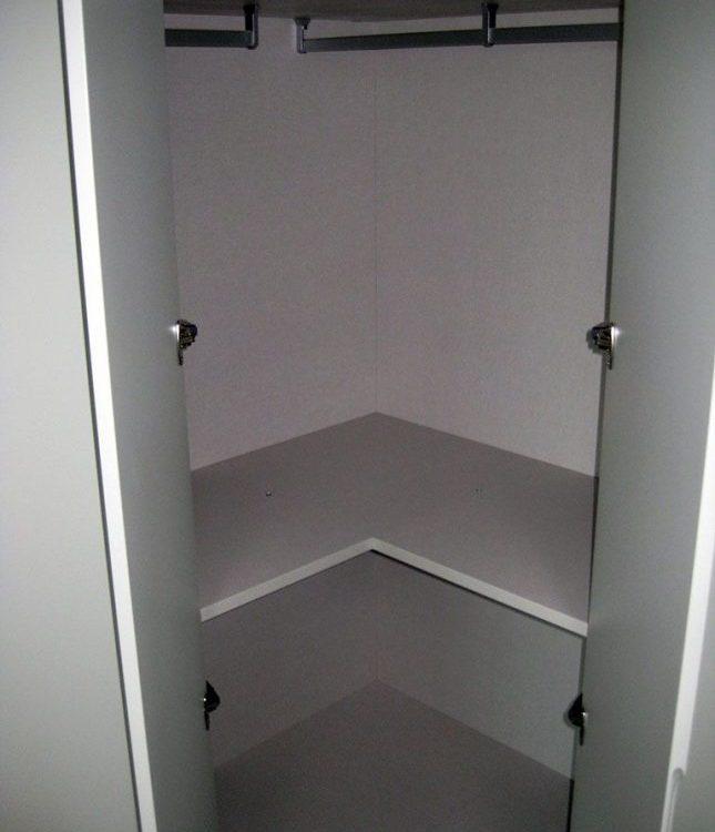 armario con disposicion en l