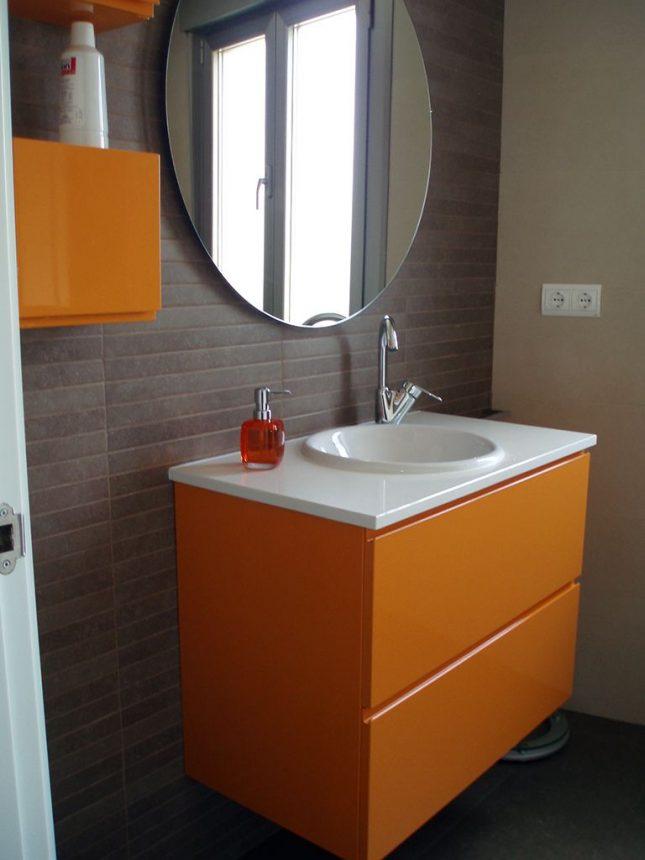mueble de bano lacado en brillo