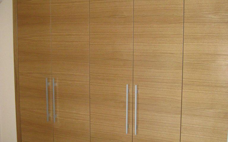 Armario puertas abatibles 6 hojas