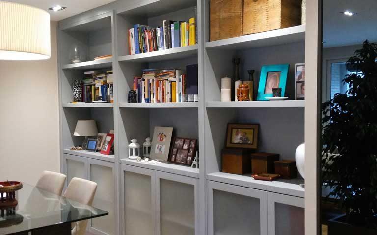 Librería para salón comedor
